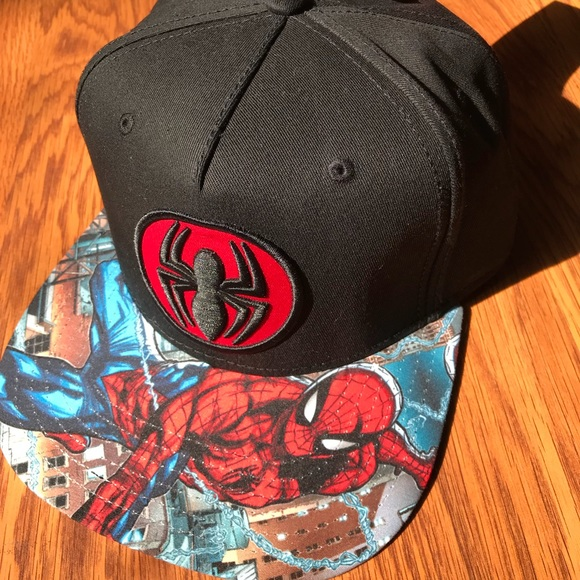 072ce636ca9 NWT Marvel Spiderman SnapBack hat